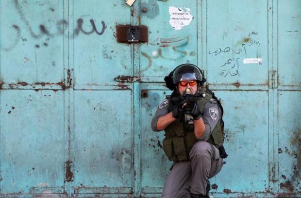 IDF_Israel_soldier_Hebron_AFP